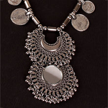 Load image into Gallery viewer, Rabbari statement necklace
