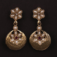 Load image into Gallery viewer, Golden Drop Earrings