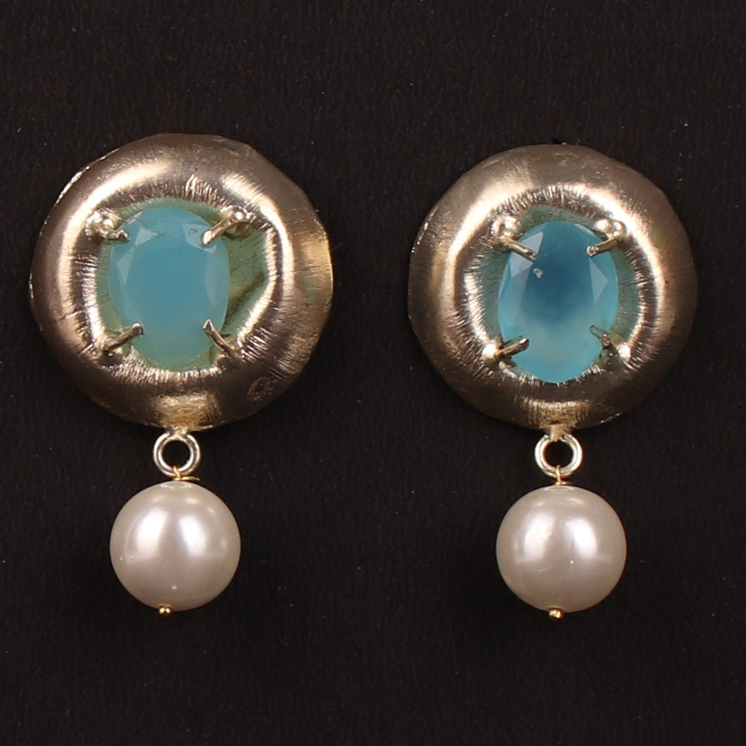 Pleasing Touch Earrings With Peal Drop down