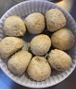 Frozen Char Siew Yam Ball (9 pieces) 鸡肉叉烧芋头球