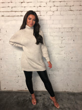 Load image into Gallery viewer, Turtle Neck Cable Jumper