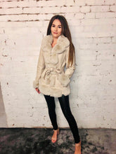 Load image into Gallery viewer, Faux Fur Pu Zip Jacket