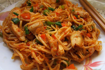 Schezwan Fried Noodles(Chicken) - Andhra Mess Indian Cuisinse
