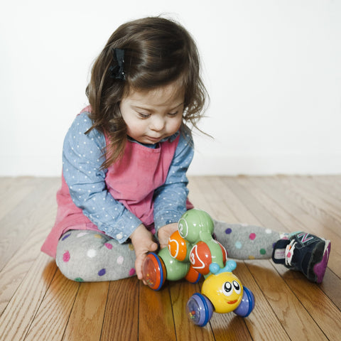GO GO CATERPILLAR Press & Go Toy