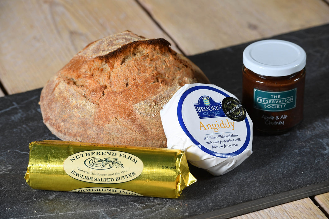 Wye Valley Producers Cheese & Chutney Box