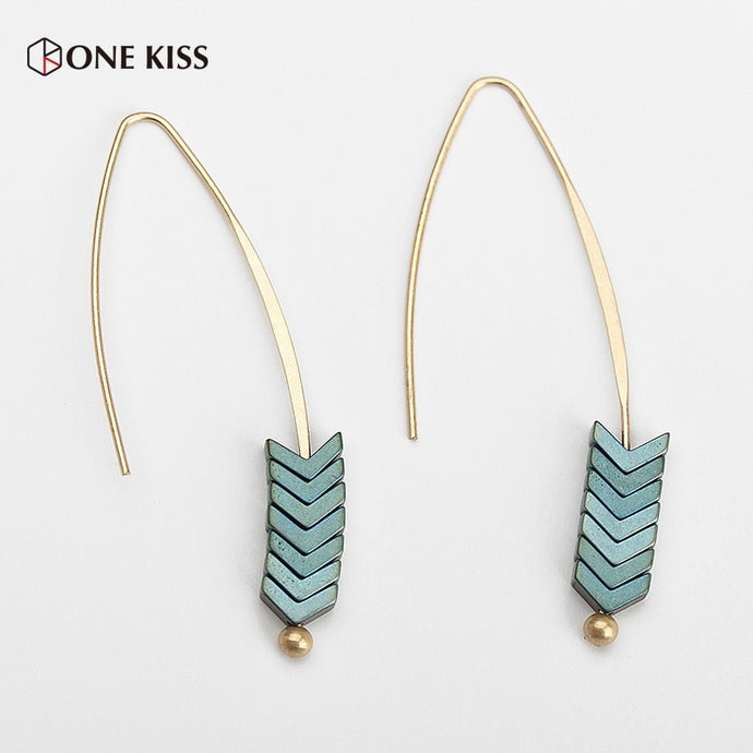 Vintage Natural Rock Stud Earrings Spear Gold Triangle Arrow Long Hook Earrings for Women Fashion Jewelry Punk Brincos 2019