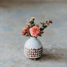 Load image into Gallery viewer, Itty Bud Vase