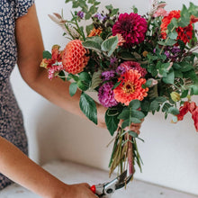 Load image into Gallery viewer, Flower Arranging Basics