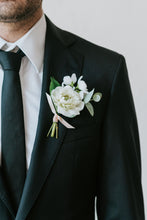 Load image into Gallery viewer, Kensington Boutonnière