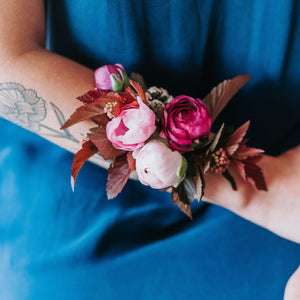 live boutonnieres and corsages