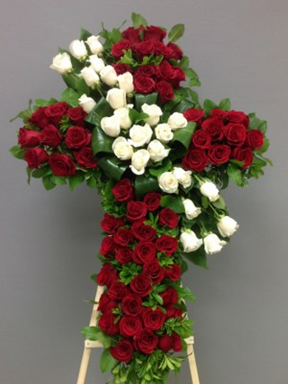 FRESH ROSES BOUQUET 12 STEMS