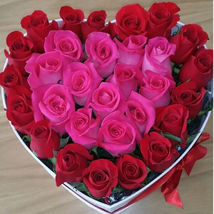 BEAUTYFULL FRESH ROSES HEART DESIGN ARRENGEMENT 30 STEMS