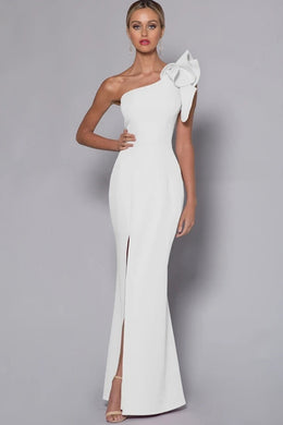 White Dress Hire, Rent designer dresses by BARIANO.  White Dress, Rent designer dresses, red carpet gowns, jumpsuits or playsuits from Australia's best designer dress rental destination.  Kylies Kloset - complimentary One on One Styling Consultation. School Ball Gown Hire and Rental, Perth.
