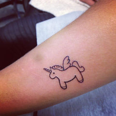 Tatouage licorne simple