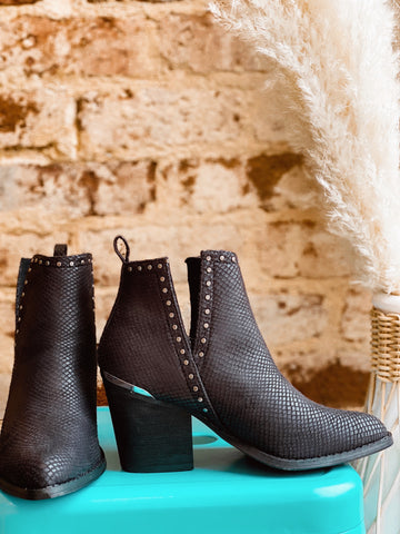 Western Chic Black Booties