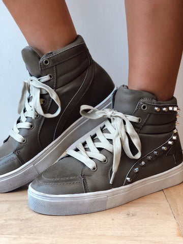 The Cool Girl Ash Grey Sneaker