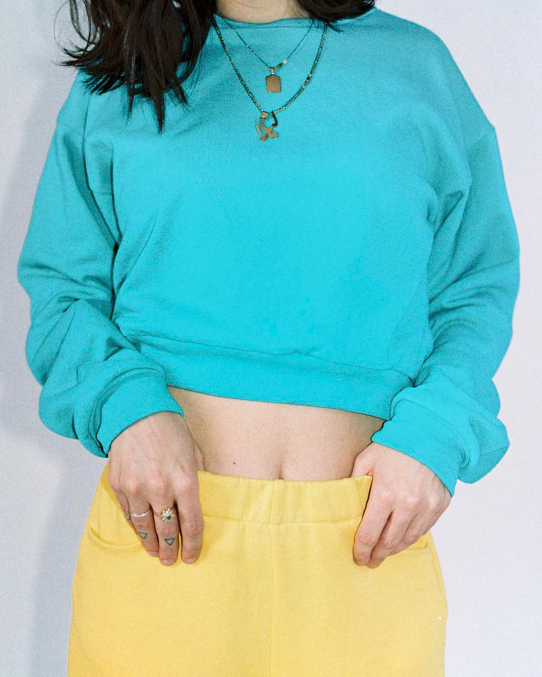 NANU CROPPED SWEATSHIRT