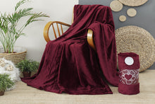 Load image into Gallery viewer, Antdecor Wellsoft Single Blanket Bordeaux