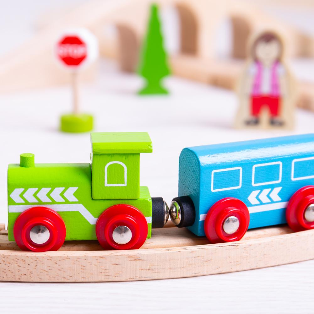 Bigjigs Figure of Eight Wooden Train Set