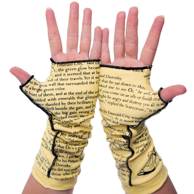 The Wonderful Wizard of Oz Writing Gloves - Storiarts - 3