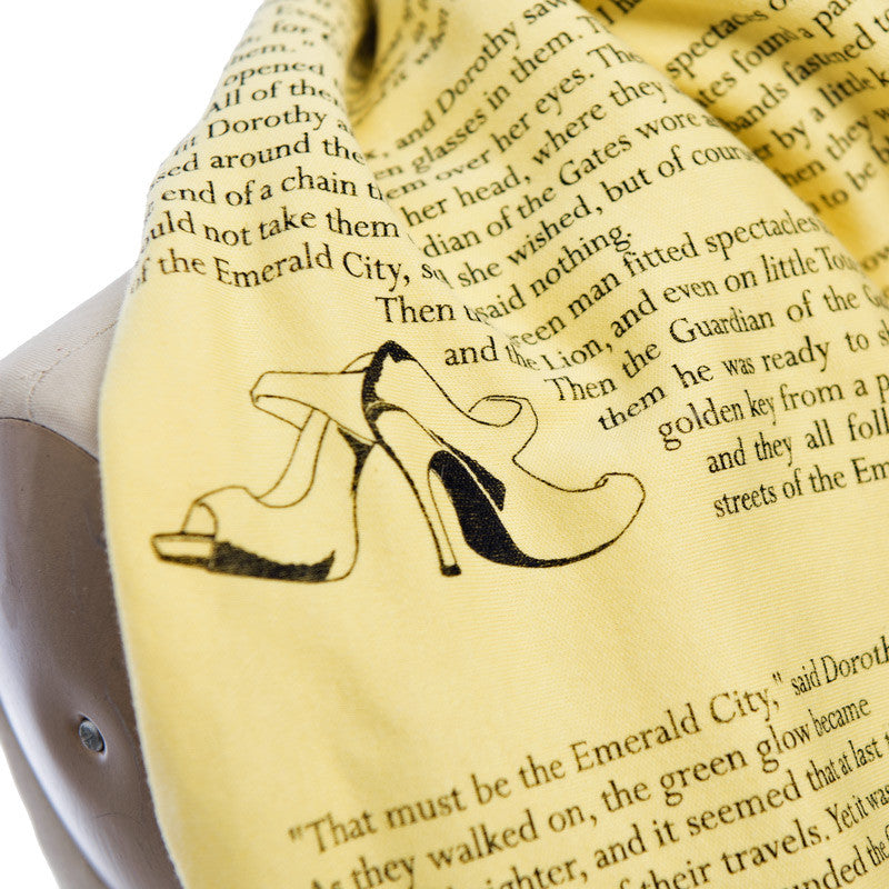 The Wonderful Wizard of Oz Book Scarf - Literary Scarf - Storiarts - 1