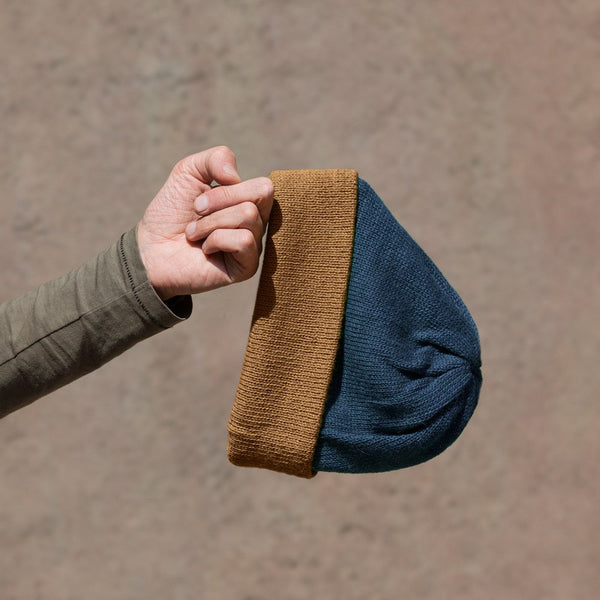 Beanie – NIGHT-BLUE + WOOD-BROWN
