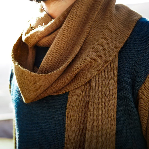 Close up scarf in baby alpaca wool color brown
