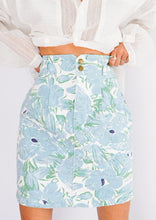 Load image into Gallery viewer, Vintage Baby Blue Floral Denim Skirt (XS)