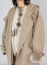 Load image into Gallery viewer, Vintage Lundstrom Laparka Oatmeal Coat (L)