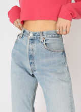 Load image into Gallery viewer, Vintage Levi's Light-Wash Denim (L)