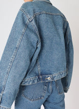 Load image into Gallery viewer, Vintage Nevada Mid-Wash Denim Cropped Jacket (S, M)