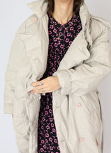Load image into Gallery viewer, Vintage Beige Cotton Down Puffer (M, L)