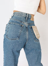 Load image into Gallery viewer, Vintage Cotton Ginny Mid-Wash Denim (XS)