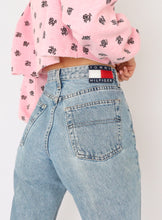 Load image into Gallery viewer, Vintage Tommy Hilfiger Light Wash Denim (S, M)