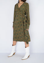 Load image into Gallery viewer, Modern Halogen Green Floral Wrap Dress (M, L)