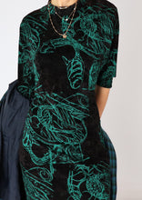 Load image into Gallery viewer, VINTAGE 70S VELVET SCRIBBLE DRESS (S)