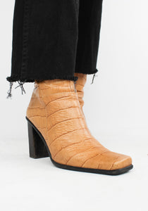 VINTAGE CAMEL CROC LEATHER SQUARE-TOE BOOT (8)