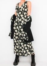 Load image into Gallery viewer, VINTAGE BLACK FLORAL SET (M)