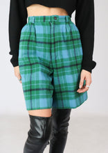 Load image into Gallery viewer, VINTAGE GREEN PLAID WOOL SHORT (S)