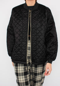 VINTAGE BLACK QUILTED JACKET (S, M)
