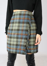 Load image into Gallery viewer, VINTAGE WOOL PLAID FRINGE SKIRT (S)