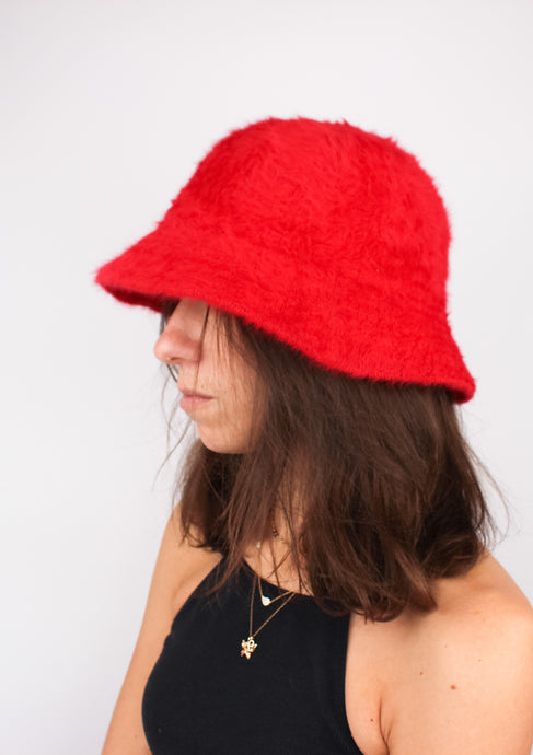 VINTAGE RED ANGORA BUCKET HAT
