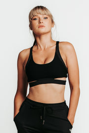 Wrapdrive courage sports bra mesh black white gym wear