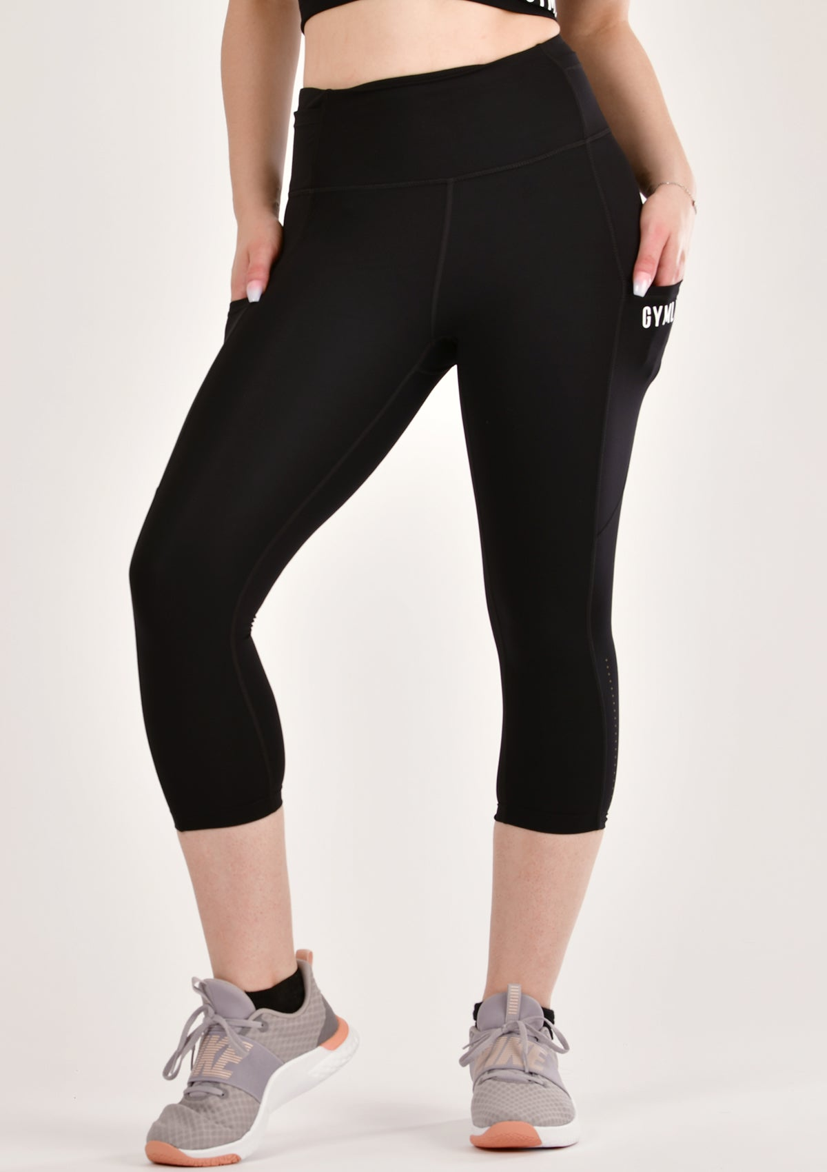Alure Black Cropped Leggings
