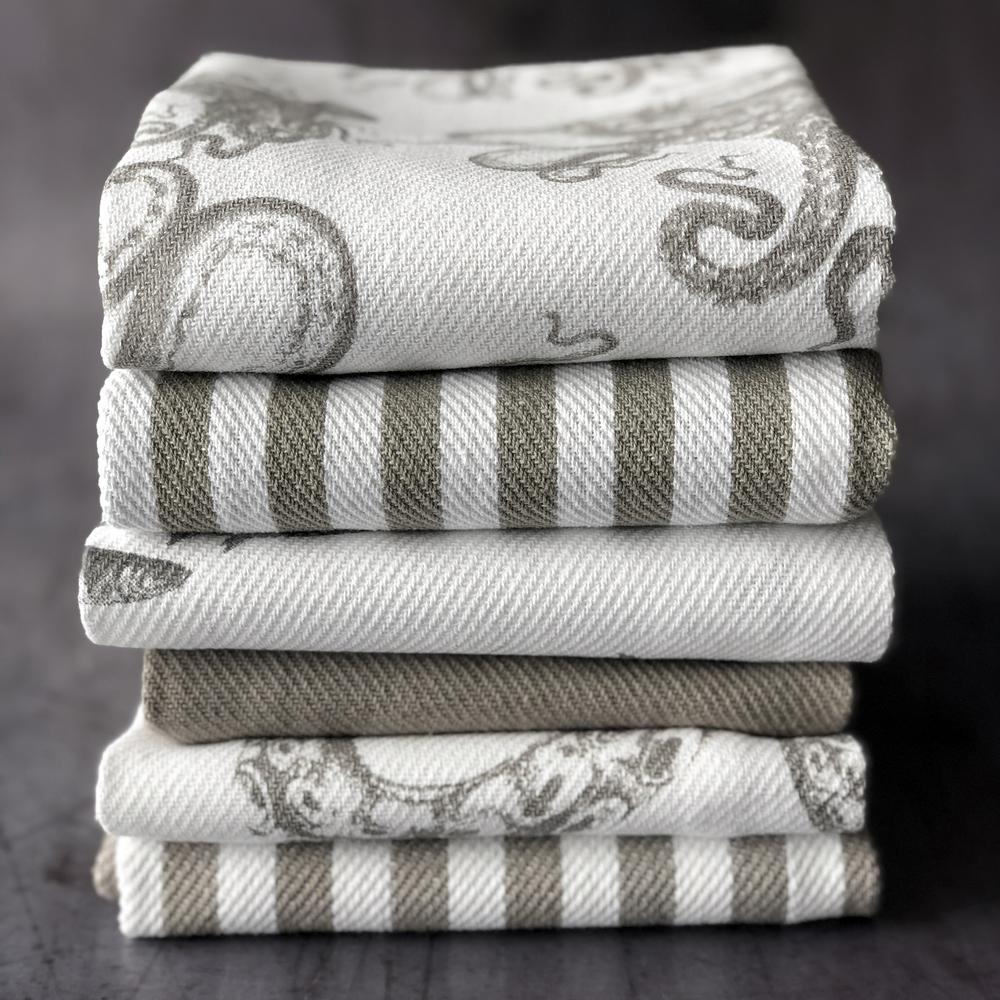 SCHOOL OF FISH MIST PRINT SET/2 THICK, COTTON KITCHEN TOWELS