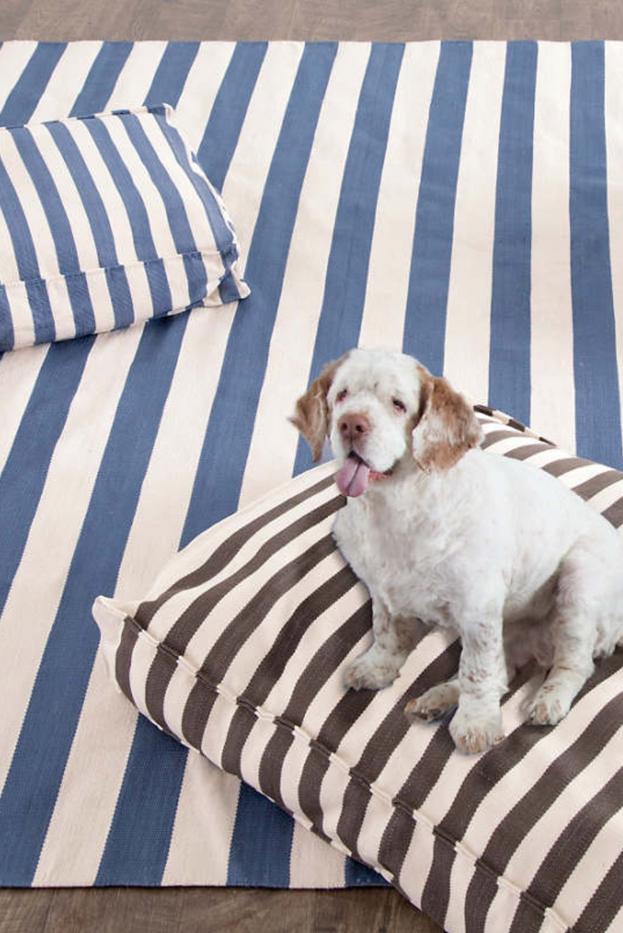Trinaman Stripe Dog Bed