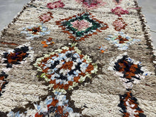 Load image into Gallery viewer, Moroccan Berber Rug - Boucherouite vintage 5