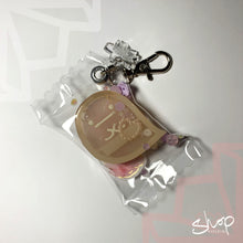 Load image into Gallery viewer, Obake Liquid Shaker Candies Keychain