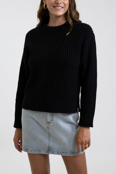 Classic Cable Knit Black