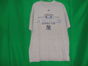 MLB  New York Yankees ...Majestics T-Shirt